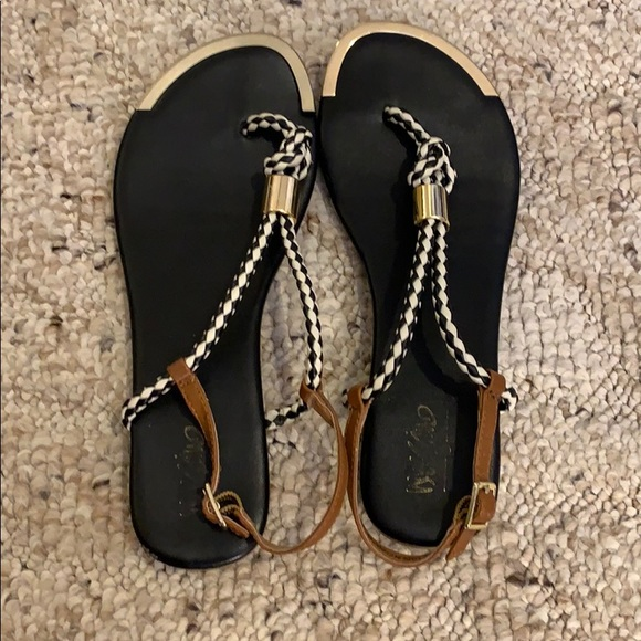 Mossimo Supply Co. Shoes - Woman's Sandals 5 1/2